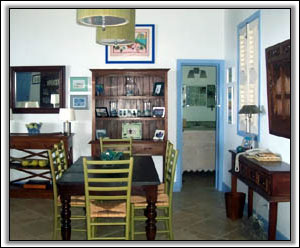 Caribbean Colors Adorn The Dining Room - Holiday Rentals